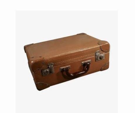 pink event location valise vintage malle marron